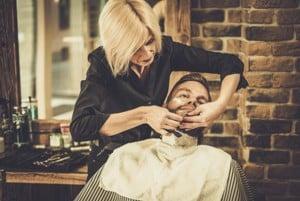 Dame rasiert Herren, Barbershop