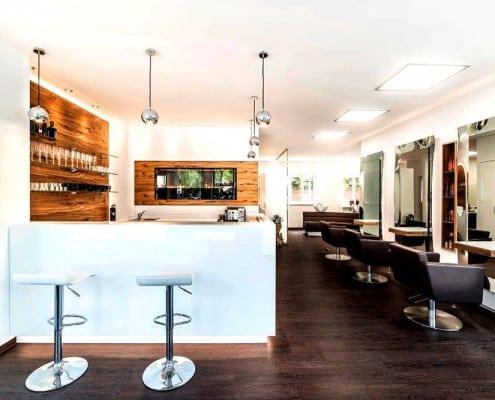 Silke Heide Friseursalon, Bar