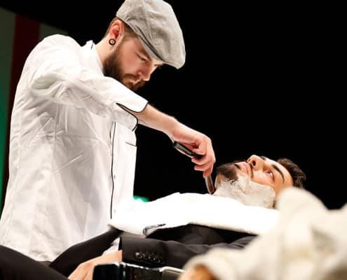Galerie-Barbering - Barbershop - Rasur mit dem Messer