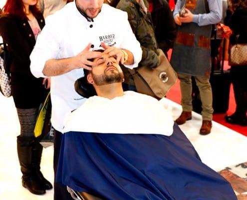 Galerie-Barbering - Gesichtsmassage im Barbershop